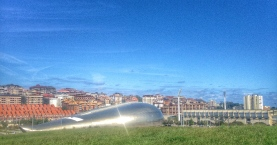 Sunny day in Sardinero, overlooking the sports arena.